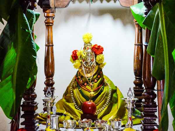 Worship Maa Lakshmi Get Rid Money Problems