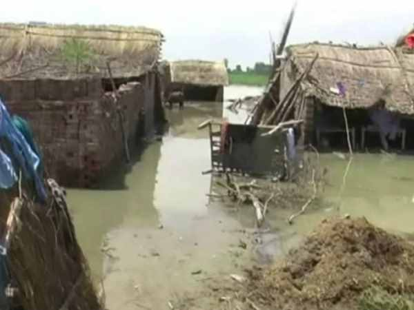 Flood Uttar Pradesh More Than 300 Villages Affected