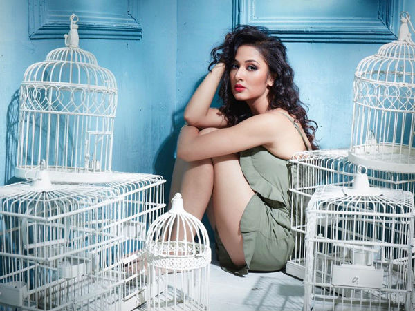 Yeh Hai Mohabbatein Fame Vidisha Srivastava Bold Look