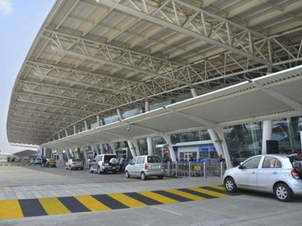 Airports Run By Govt May Offer Water Snacks At Mrp By Separate Counter