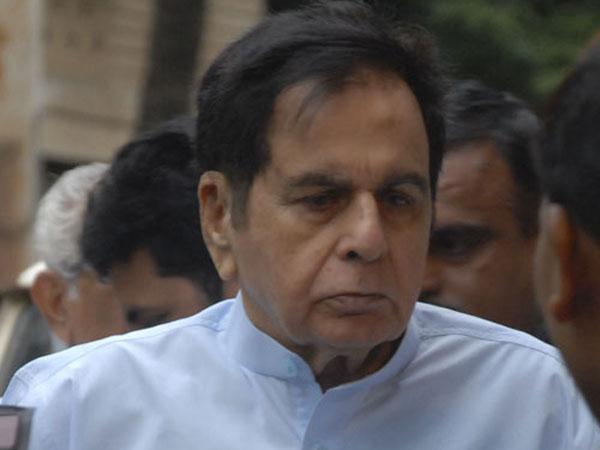 Dilip Kumar Admit Mumbai Lilavati Hospital