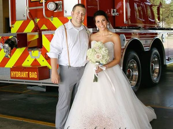 Firefighter Leaves His Own Wedding Midway Save People Lives