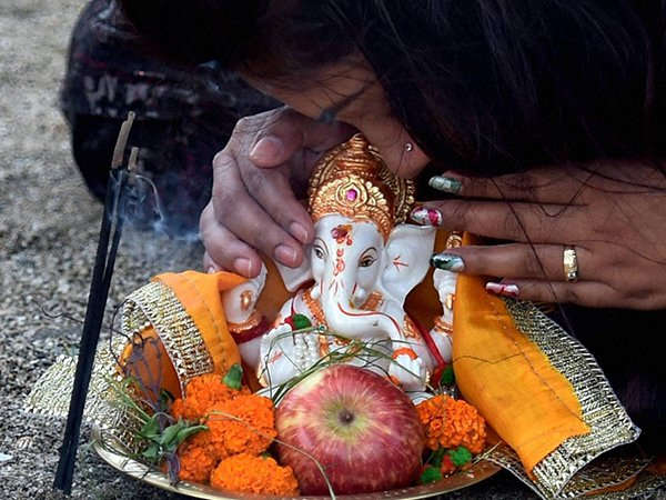 Here Is Why You Should T See Moon While Ganesha Chaturthi