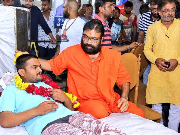 Gujarat Hardik Patel S Hunger Strike Enters Day 8 Patidar An