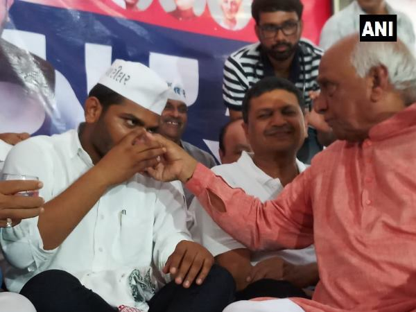 Hardik Patel End His Hunger Strike 19 Day Demands Reservation For Patidar