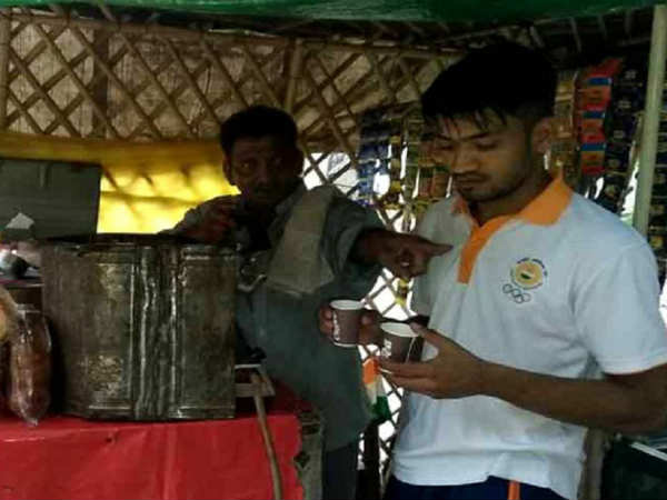 Asian Games Bronze Medalist Sells Tea Living