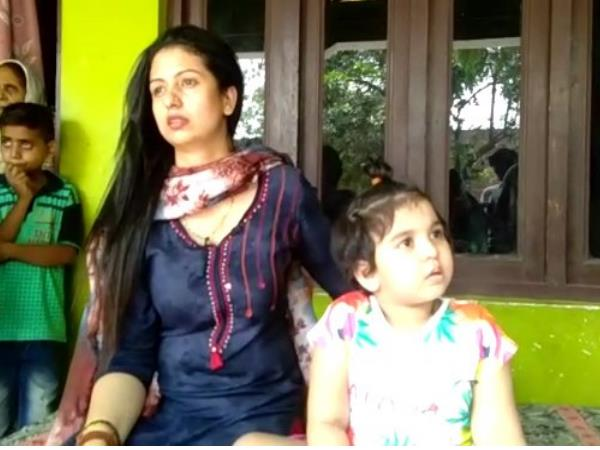 Mohammed Shami Hasin Jahan Daughter Bebo Admission In Parents Controversy