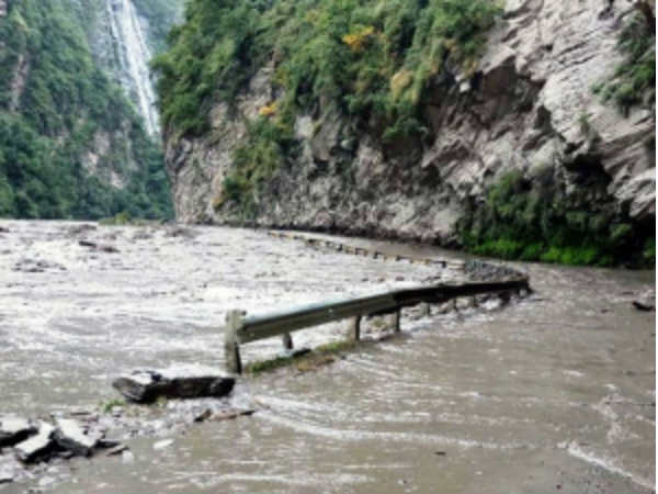 Several Parts Himachal Pradesh Witnessed Landslides Followin