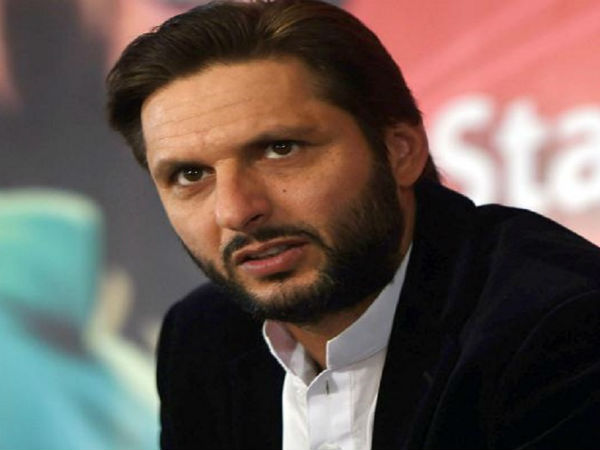 Shahid Afridi Caught Chewing Tobacco Video Went Viral