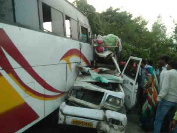 Seven People Died Many Injured In Road Accident Raebareli