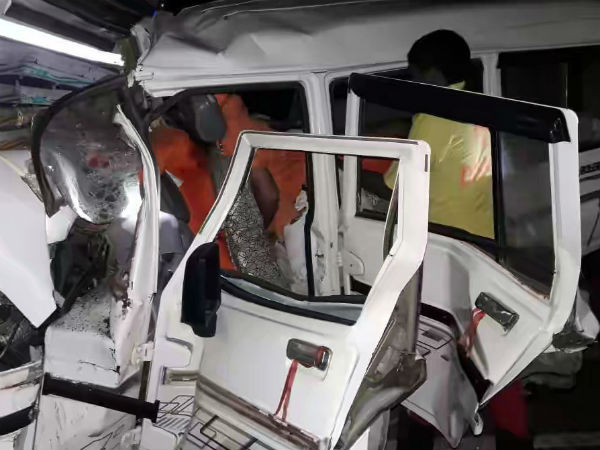 Chhattisgarh Ten People Died After Car Collided With Truck In Mahasmud Last Night