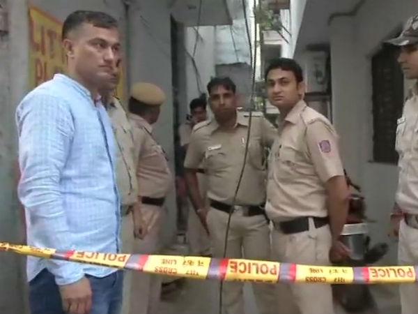 Delhi Three Members Of A Family Stabbed To Death In Vasant Kunj S Kishangarh