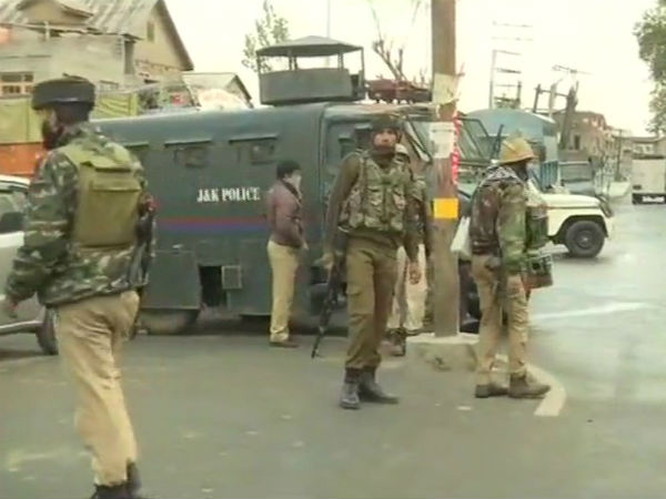 Encounter Underway Between Security Forces And Terrorists Fateh Kadal Srinagar