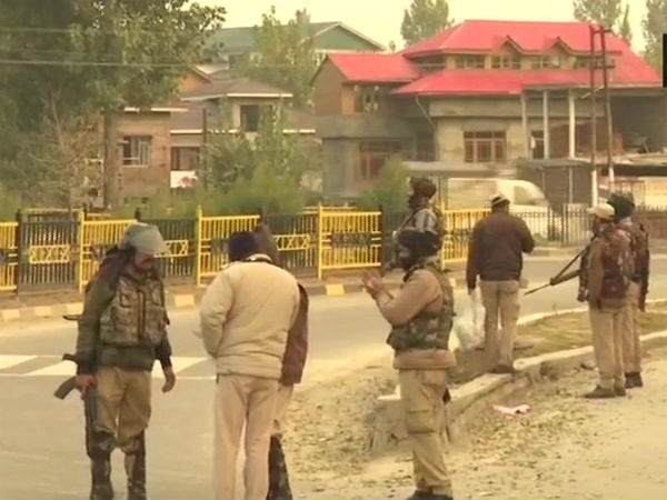 Encounter Between Army Terrorist In Jammu Kashmir Srinagar Soothu