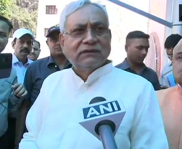 Nitish Kumar Speaks Gujarat Cm Over Violence Against Up Biha