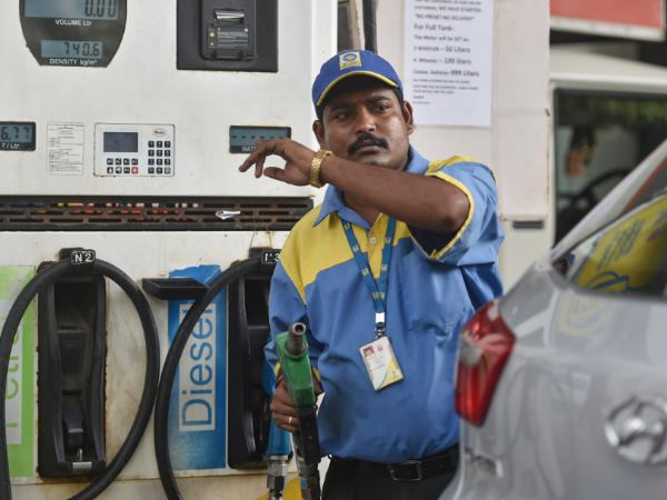 Petrol Pumps Face Big Problem If Petrol Diesel Prices Keep Rising