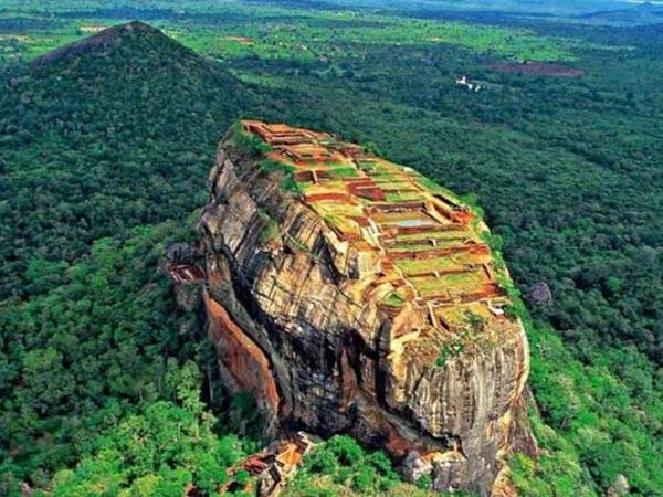 Dussehra 2018 Ravana Body Still Present Cave Sri Lanka