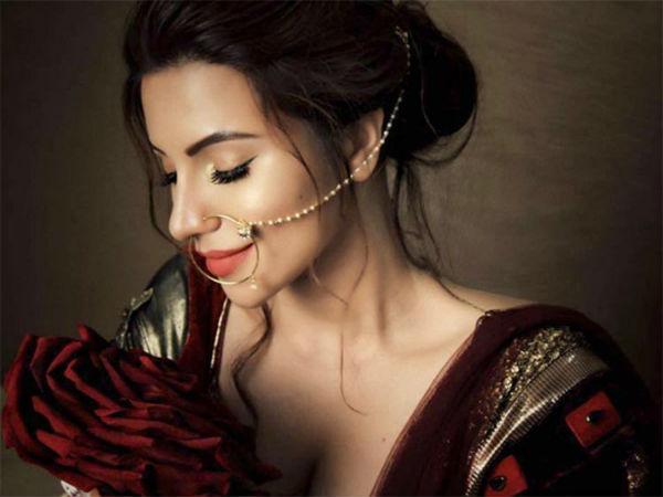 Shama Sikander Again Goes Bold Bikini Pic