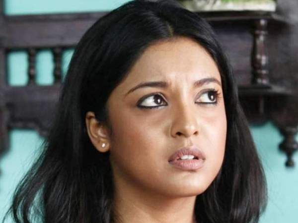 Tanushree Dutta Slaps Defamation Case 10 Crore Against Rak