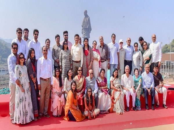 Sardar Patel S Family Relatives Pose A Group Photograph With