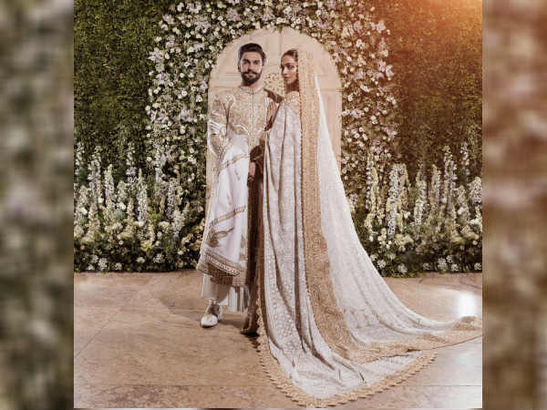 Deepika Padukone Ranveer Singh Are Hosting Their Wedding Reception Pics Video