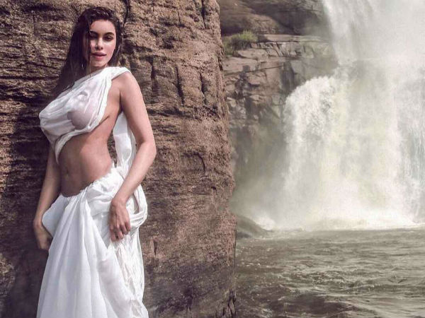 Gizele Thakral S Hot Pictures Set Fire On Internet