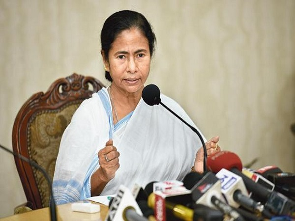 Mamata Banerjee Calls Bjp S Rath Yatra Ravan Yatra Says Perform
