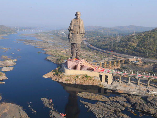 Kilometer Long Jam Due To Tourist Visit Statue Of Unity In Gujarat