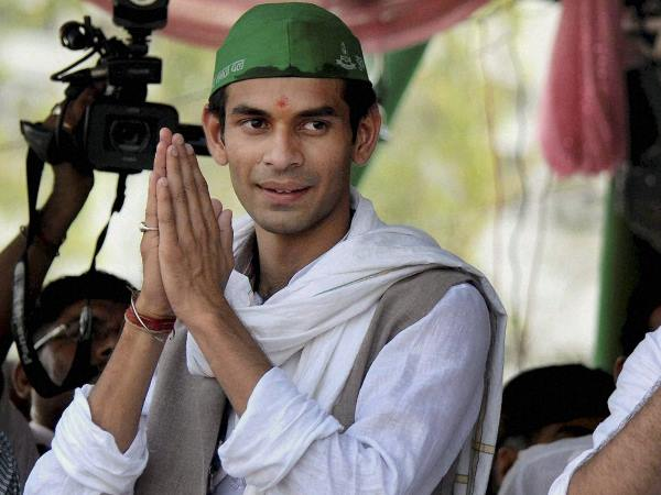 A Vrindavan Baba Connection Tej Pratap Yadav Divorce Matter