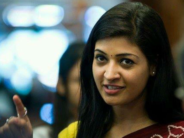 Aap Mla Alka Lamba Resigns From Party Over Resolution To Revoke Rajiv Gandhi Bharat Ratna