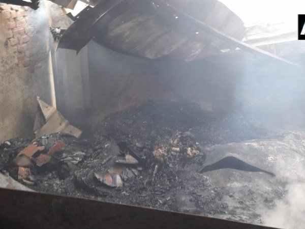 Bihar Fire Muzaffarpur Snacks Factory Several Dead Trapped