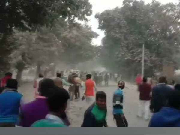 Up Police Constable Killed Stone Pelting Mob Ghazipur Yogi