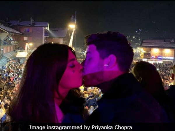 Priyanka Chopra Kissed Nick Jonas On New Year Shared Image On Instagram