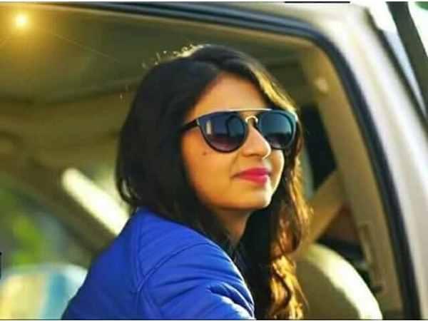 Gujarat Hc Relief Kinjal Dave Over Char Char Bangdi Vali Gadi Song