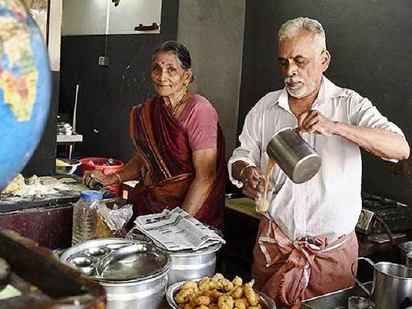 Kochi Couple Vijayan Mohana Travel 23 Countries World By Selling Tea
