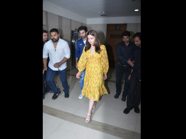 Is Ranbir Kapoor Miffed With Alia Bhatt In Gully Boy Screening See Video