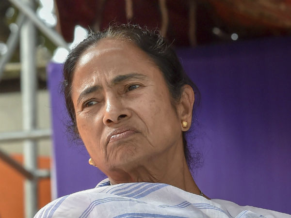 Mamta Banerjee Protest Against Center Continues After Cbi Reached To Commissioner Rajeev Kumar Live