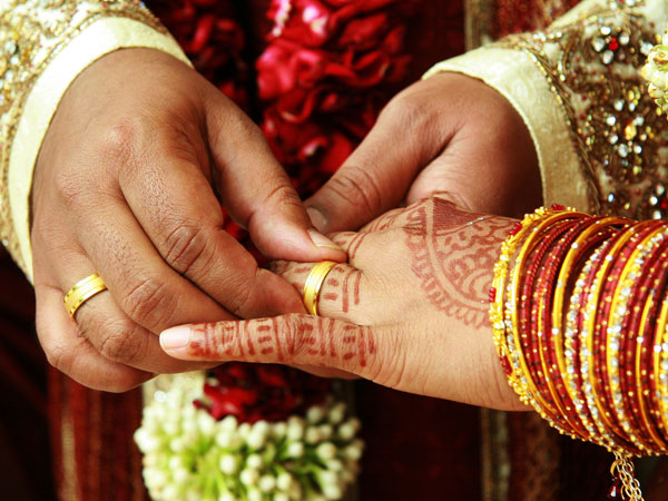 Surat Couple Cancels Wedding Reception Donate Rs 11 Lakh
