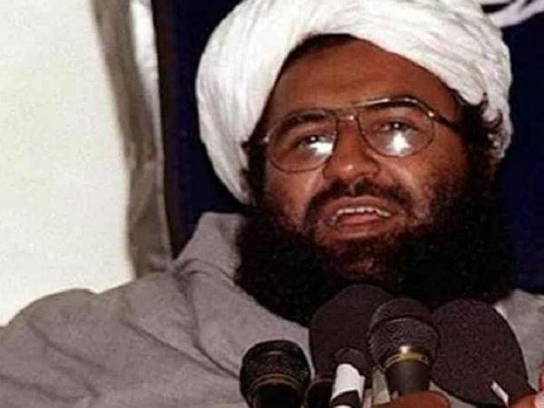 આતંકવાદીની ધમકીથી ડર્યો પાકિસ્તાનનો પીએમ ઈમરાન, જૈશ પર નિયંત્રણનો ફેસલો રદ કર્યો