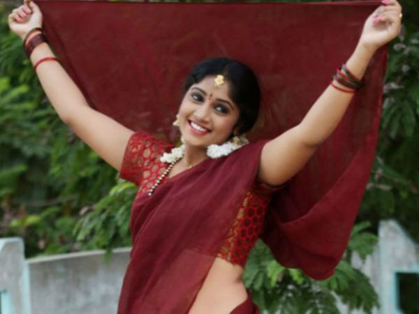 Telugu Tv Actress Naga Jhansi Commits Suicide Hyderabad