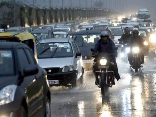 Rain North India Gujrat Turns Windy Read The Weather Report