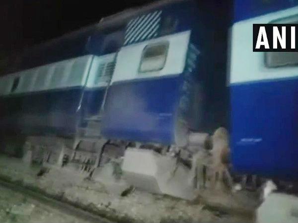 Bihar 9 Coaches Seemanchal Express Derailed Vaishali 5 Dead