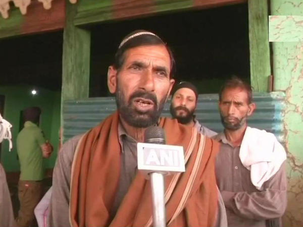 Jammu Kashmir Father Martyred Army Soldier Aurangzeb Joins Bjp Pm Modi Samba Rally