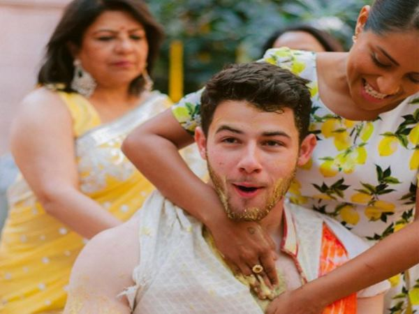 Haldi Photo Nick Jonas Priyanka Chopra Goes Viral