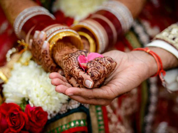 Midst Tension Between India Pakistan Haryana Family Fixes Sons Wedding With Pakistan Hindu Teacher