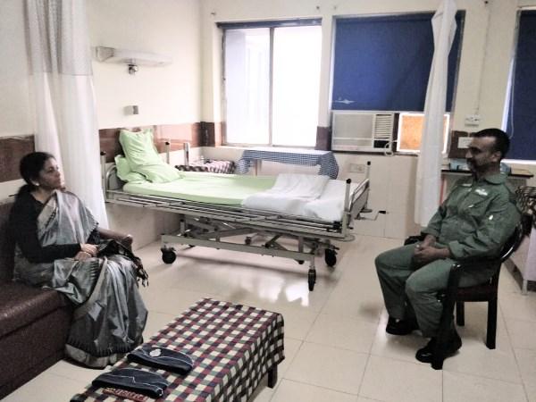 Defence Minister Nirmala Sitharaman Met Wing Commander Abhinandan Hospital