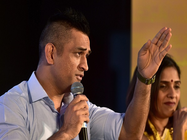 Ms Dhoni Approaches To Supreme Court Against Amrapali Group
