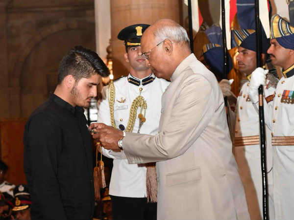 Video Jammu Kashmir Tee Irfan Ramzan Sheikh Awarded With Shaurya Chakra