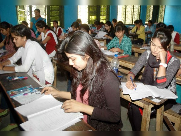 Gujarat Students Priority Medical Syllabus Than Engineering