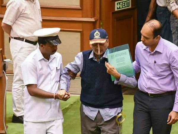Manohar Parrikar S Wife Died Due Cancer Same As Cm Parrikar Know About His Family